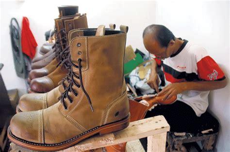 Sepatu Boot Wayout boot lokal harian medan bisnis membangun indonesia
