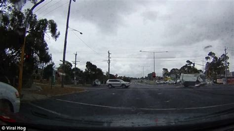 Lightning Car Melbourne Moment Lightning Bolt Blows A In A Road And Misses