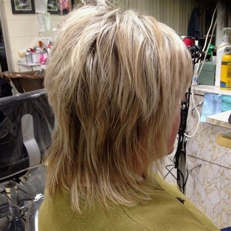 styling heavily layered hair 1000 ideias sobre medium shag haircuts no pinterest