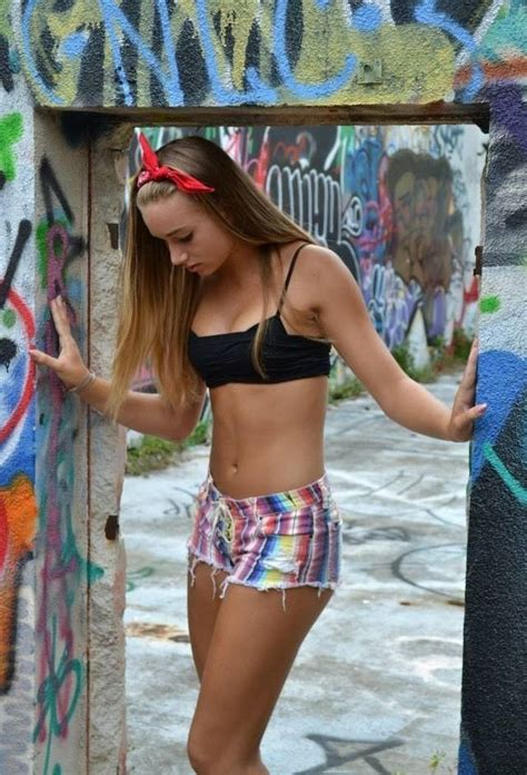 Young Girls Shorts Too Short | young girl short shorts images usseek com