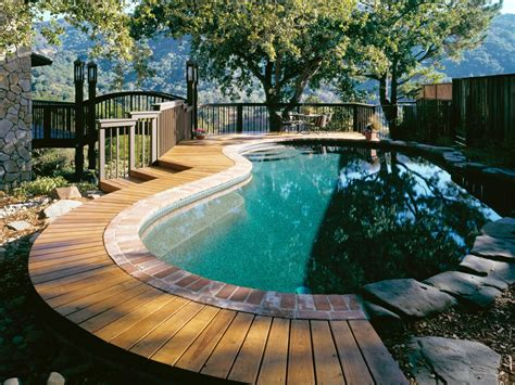 In Ground Vs Above Ground Pools Hgtv Patio And Pool Designs