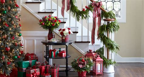 How To Hang A Garland On Fireplace by How To Hang Garland Step By Step Guide Proflowers