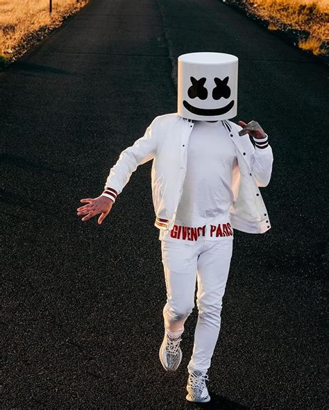Vest Hoodie Marshmello 02 marshmello has started his own clothing line with zumiez edm honey