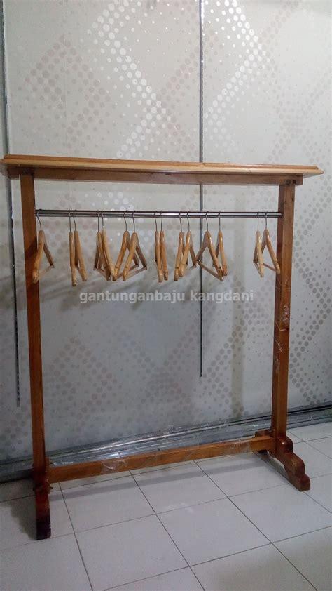 Gantungan Kayu Baju jual gantungan model gawangan kayu untuk display butik