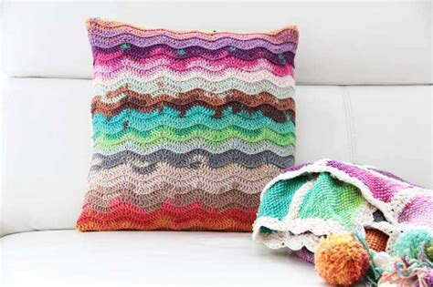 Handmade Pillows Patterns - crochet pattern how to crochet a handmade pillow