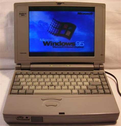 1990s toshiba satellite laptop computer