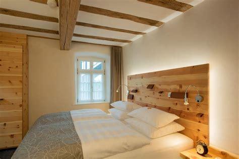 zirbenholz schlafzimmer burggarten appartements