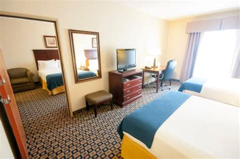 Adjoining Hotel Rooms by Bed Adjoining Room Picture Of Inn Express