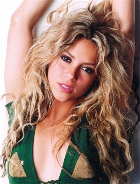 biography shakira wallpaper world shakira biography shakira pictures