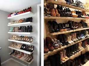 un placard de rangement chaussures