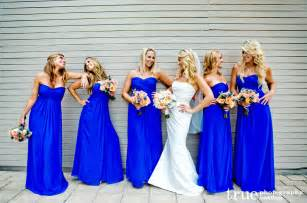 Throw a proper summer wedding with yellow and royal blue knots and
