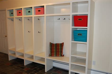 choosing functional mudroom lockers for sophisticated interior