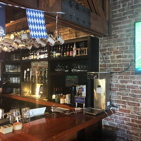 brat haus santa barbara downstairs service area and welcoming sign foto de