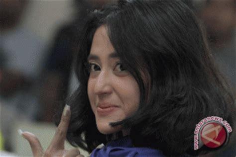 buat ktp wechat julia perez ditahan kejaksaan agung antara news