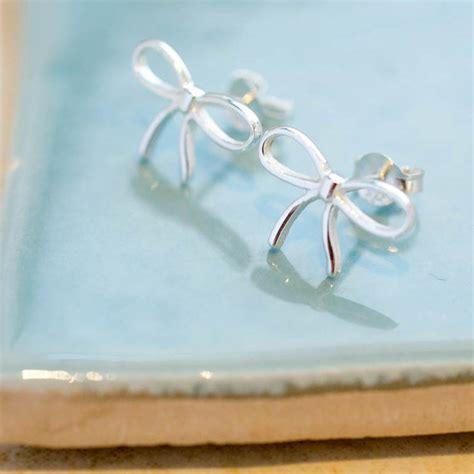 sterling silver gift bow stud earrings by lovethelinks