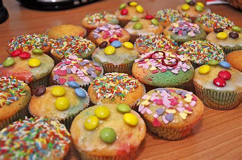 bunte kuchen rezepte bunte muffins daslau chefkoch de