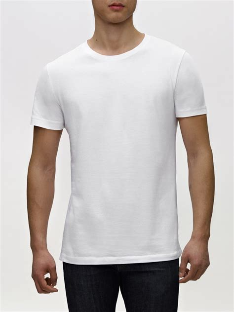 White Rea the basic white t shirts 10 gq staffers swear by photos gq