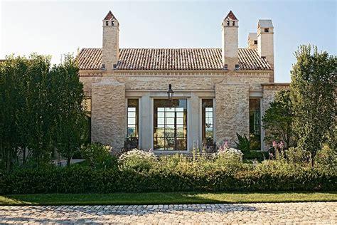 awesome modern farmhouse exterior ideas  roomaholic