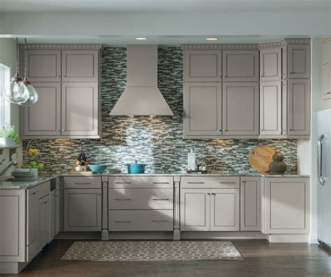 diamond kitchen cabinets lowes diamond at lowes find your style anaheim cherry