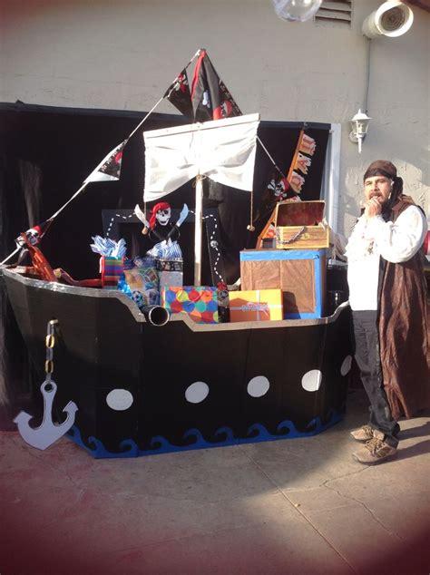 barco pirata salon de fiestas mesa de regalos barco pirata piratas pinterest mesas