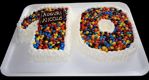 torta a forma di casa torte decorate torta di compleanno a forma di 10 gt dolci