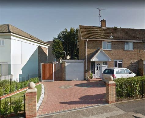 3 bedroom house for rent in basildon 3 bedroom house to rent redgrave road basildon ss16 4hr