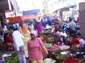 Timbangan Pasar Tradisional pasar tradisional di tengah kepungan pasar modern indra kh