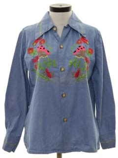 Flower Embroidered Denim Shirt Sm 16558 womens vintage 70s chambray shirts at rustyzipper