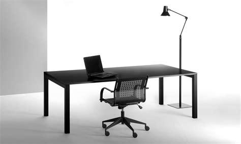 tavoli per ufficio scrivanie ufficio scrivanie direzionali tavoli riunione
