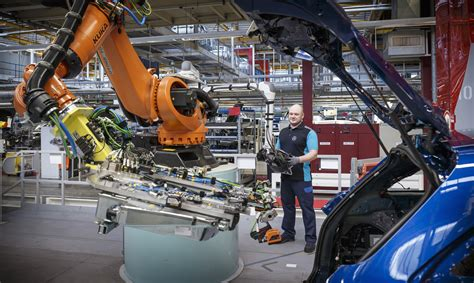 Mercedes Factory Parts by Mercedes Employs 200 Staff At Bremen Factory Takes On Glc