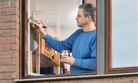 Holz Fensterrahmen Lackieren by Holzschutzlasur Lasuren Lacke 214 Le Selbst De
