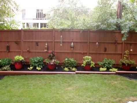 Backyard Fence Landscaping Ideas by Outdoor Landscape Backyard Fence Traditional