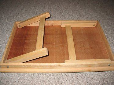 Wood Folding Table Plans Like The Way These Legs Stow Into The Table And The Way They Use The Ledge To The