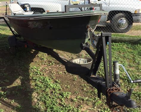 jon boat outboard motor jon boat fiberglass 14 w mercury 20hp outboard stow