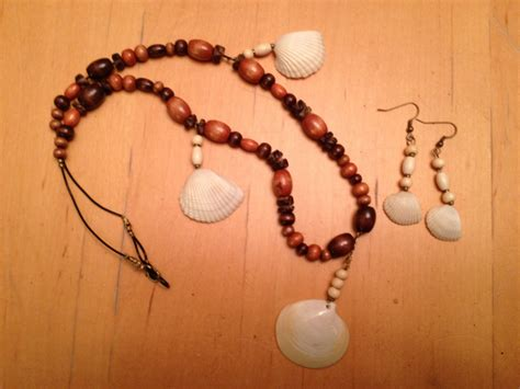 how to make jewelry with seashells simple seashell jewelry big scout project