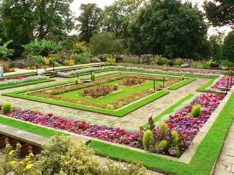 garden and horniman gardens