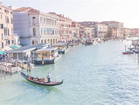 gondola boat price a gondola ride in venice what to expect price facts