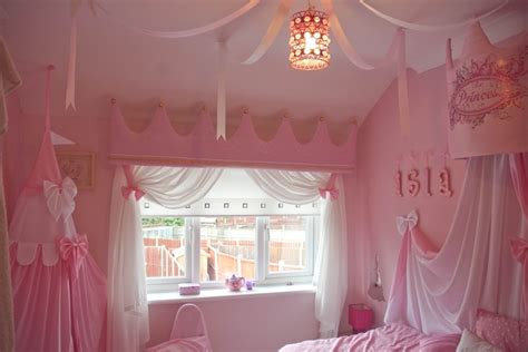 princess themed bedrooms disney princess themed room princess canopy pinterest