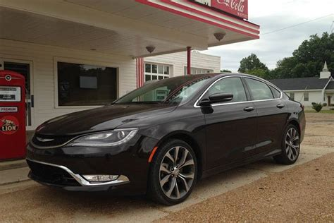 Is A Chrysler 200 A Car 2014 vs 2015 chrysler 200 what s the difference