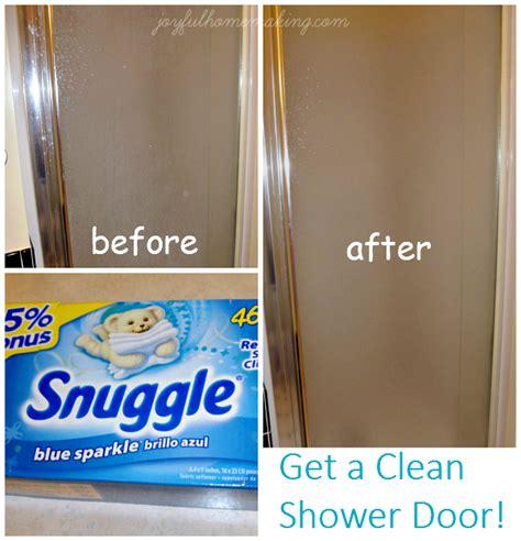Best Way To Clean Shower Doors Best Way To Clean Shower Doors Water Stain Remover Bring It On Cleaner Clean Shower Doors