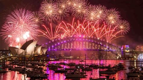 new year parade liverpool 2018 sydney new year s 2017 where to the fireworks