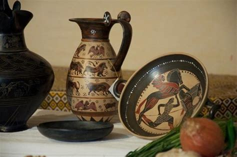 valore vasi etruschi reperti archeologici come oggetti decorativi