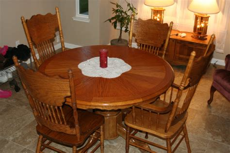 Kitchen Table And Chairs Round Round Dining Tables Circular Oak Dining Table And Chairs