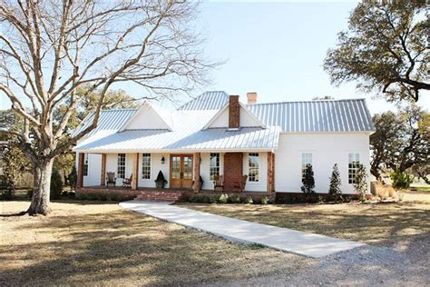 Gaines House | chip and joanna gaines fixer upper home tour in waco
