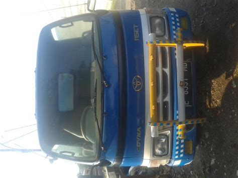 Toyota Dyna 115 Et jual mobil tangki air toyota dyna 115 et 2006 mobilbekas