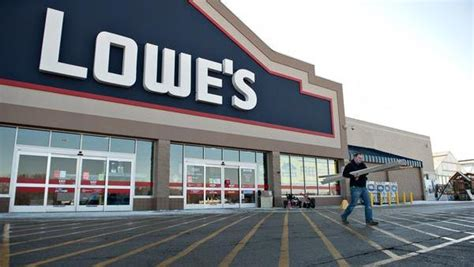 lowes lincoln ca lowe s buys into d c s fort lincoln washington business