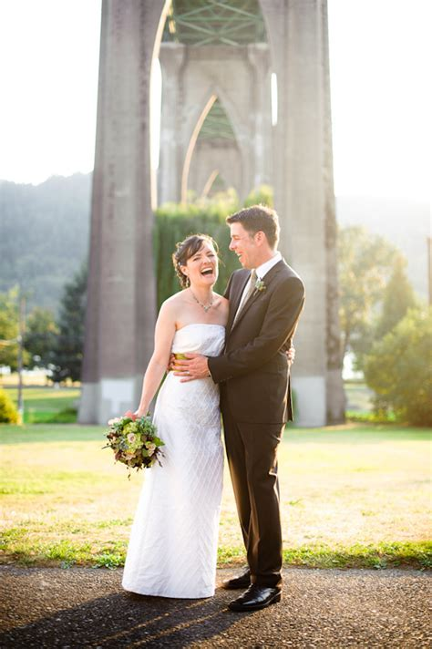 Gorgeous Fall Cathedral Park Wedding Photo Collection by