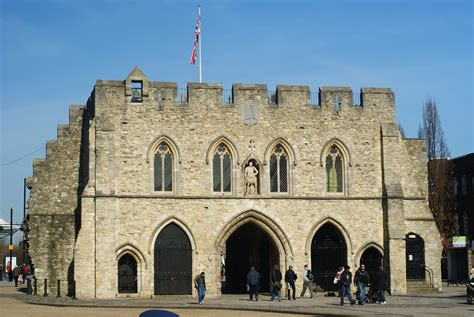 Uk Free Search File Bargate Southton Geograph Org Uk 1732978 Jpg Wikimedia Commons