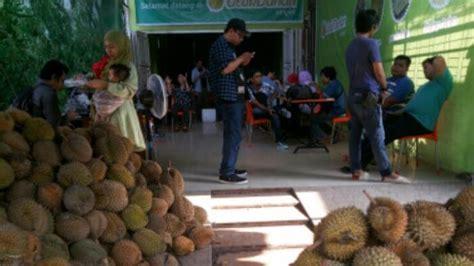 buah durian medan utuh  kolesterol ucok durian