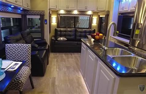 luxury motorhome videos testen en voorstellingen